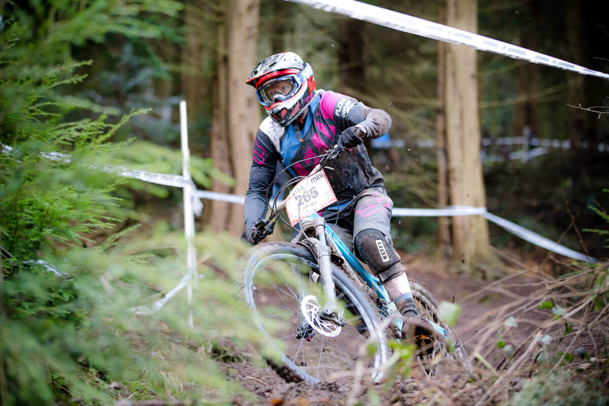Flow MTB rider Kate Gries Forest of Dean Mini Downhill Round 3 2017