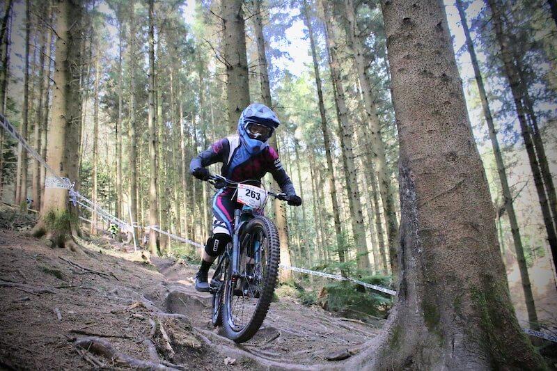 corinna brisbourne mini downhill