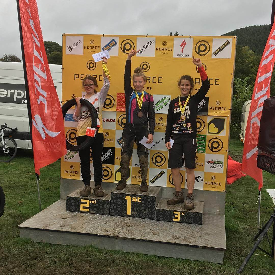 Flow MTB rider Corinna picks up first place at the final round of pearce cycles
