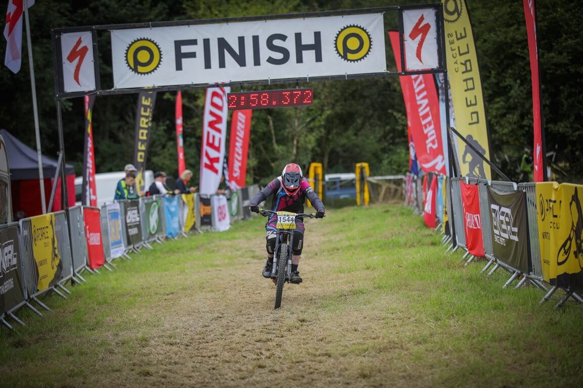 flow mtb rider kate gries pearce cycles round 5 hopton
