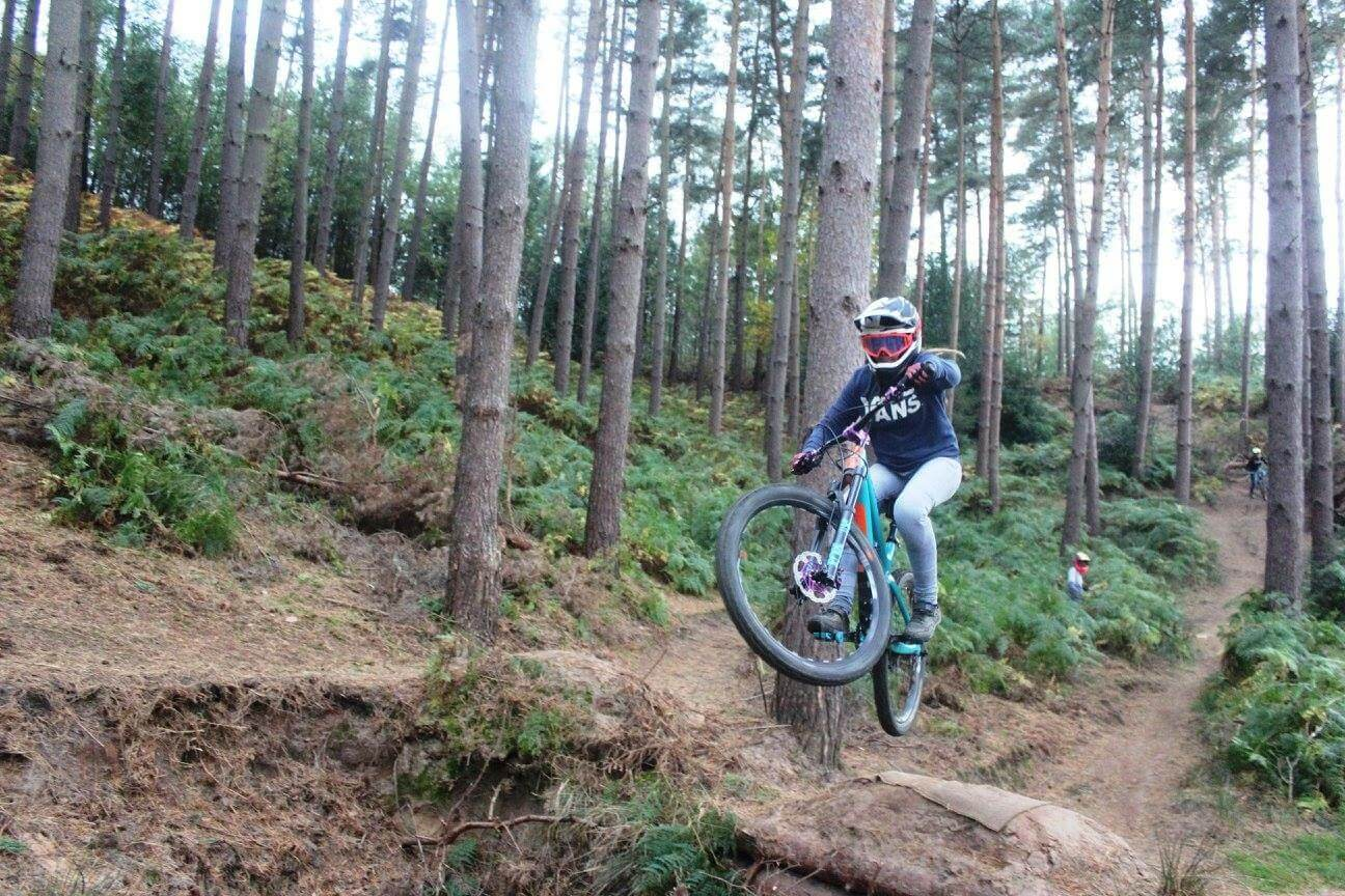 flow mtb 2018 rider anna louise fletcher