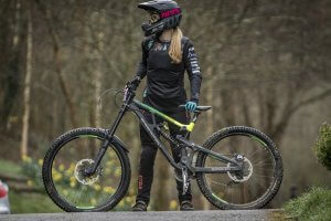 flow mtb rider emily beckett leopard leaves dharco race kit