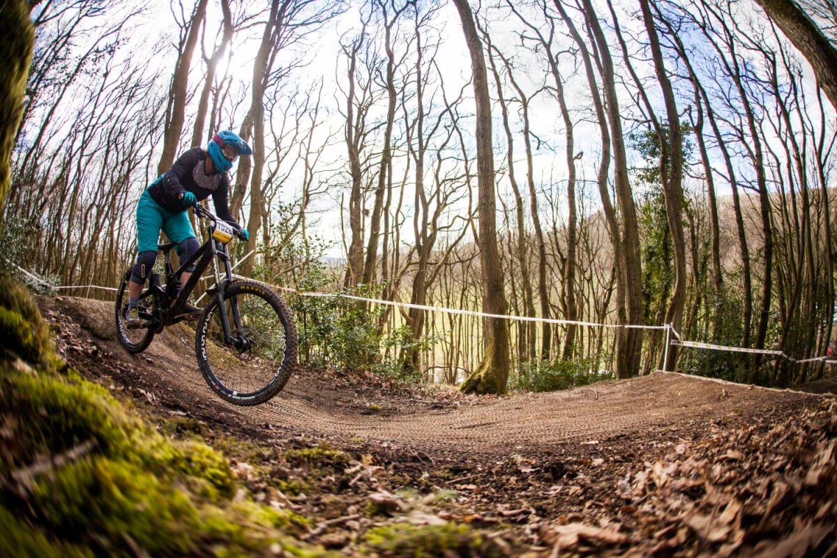 flow MTB rider Rebecca Smith at round 1 Pearce downhill series 2018 kinsham