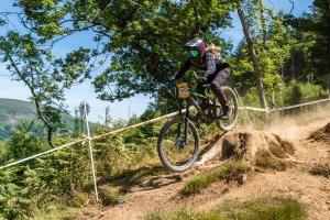 emily beckett flow mtb rider pearce round 3 2018