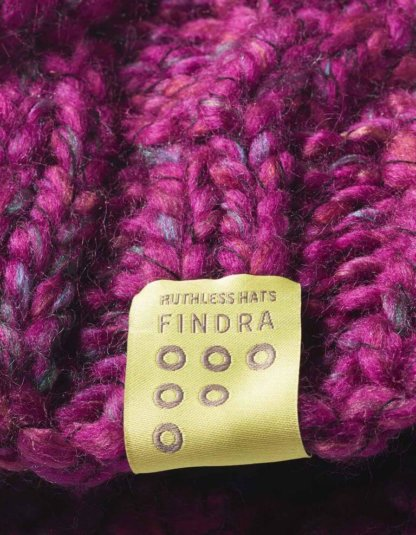 FINDRA Bobble Hat - Winter Rose