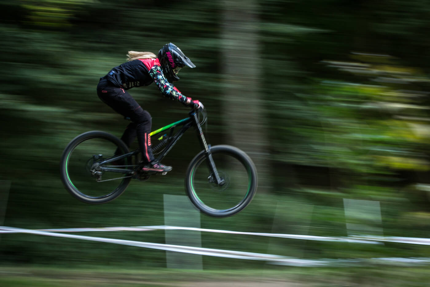 Flow MTB rider Emily Beckett competed in the 2018 Pearce Downhill Series