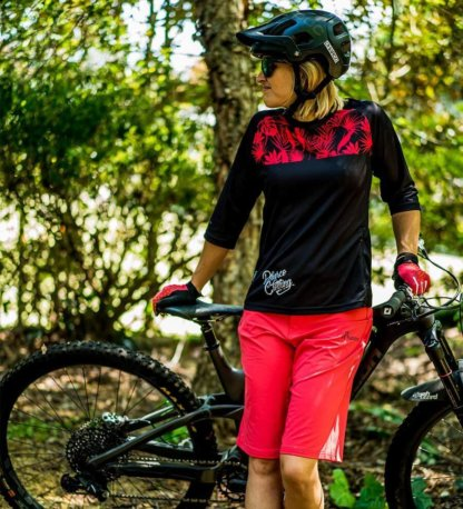 DHaRCO Ladies Arcadia 3/4 Sleeve Jersey available from Flow MTB