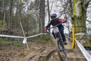 rebecca smith round 1 national downhill series 2019 rheola flow mtb
