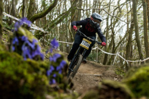 rebecca-smith-kinsham-pearce-cycles-downhill-round-2-2019-flow-mtb
